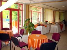 Кетъринг: Коктейл в Технически Университет, 70 гости-11.06.2008г