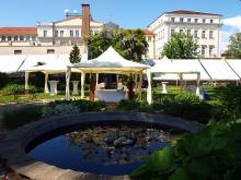 Кетъринг: Граждански ритуал в Ботаническата градина София - 05.05.2012г.